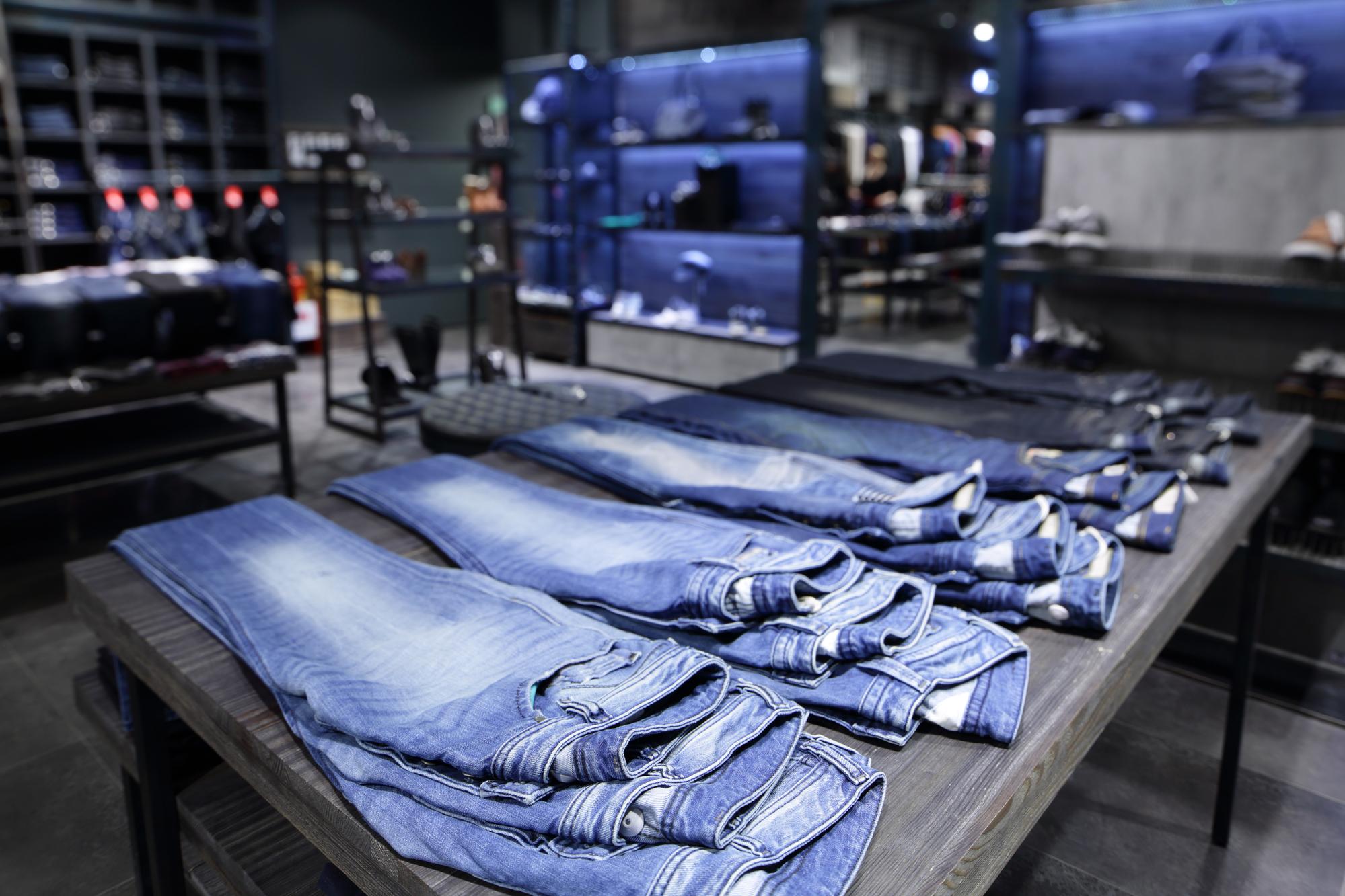 70e825c08 Porque o jeans é a categoria que mais vende na loja de roupas   Blog  Comprar Roupas Atacado
