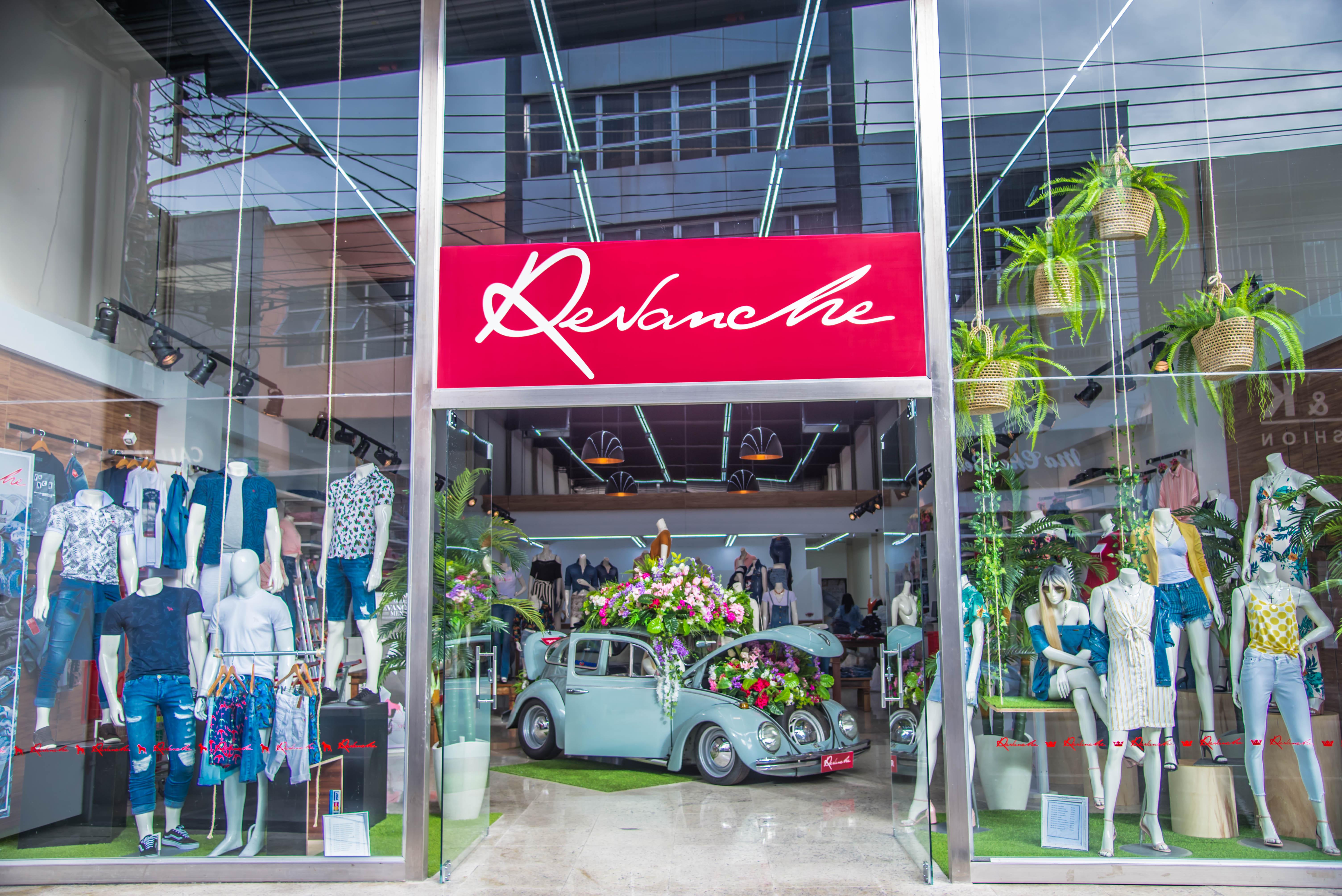 906c9b7d1b Revanche Jeans reinaugura loja no Brás