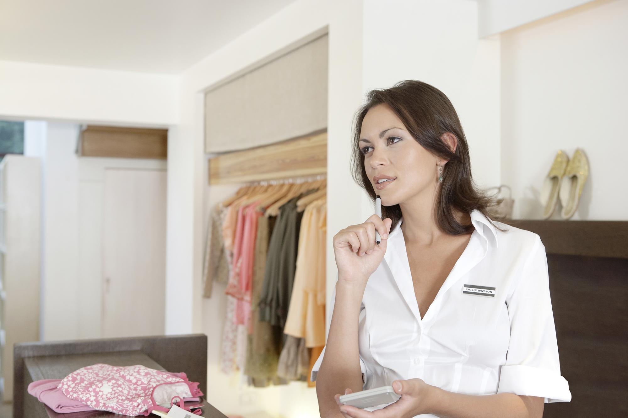Saiba como calcular preço de revenda na sua loja de roupas