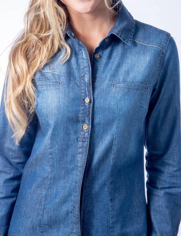 f9889c5126 Camisa Jeans Atacado com Bolso Embutido Feminina Revanche Banjul ...