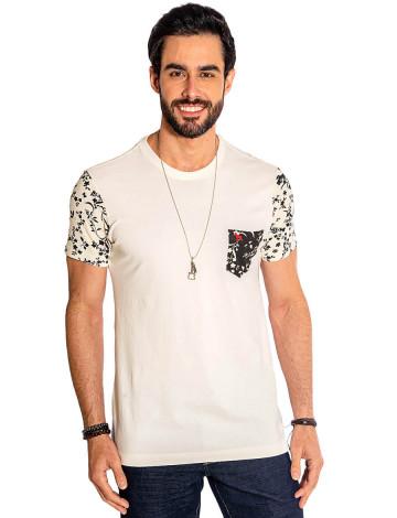 Camiseta Atacado Bolso Estampado Masculina Revanche Riga Off-White Frente