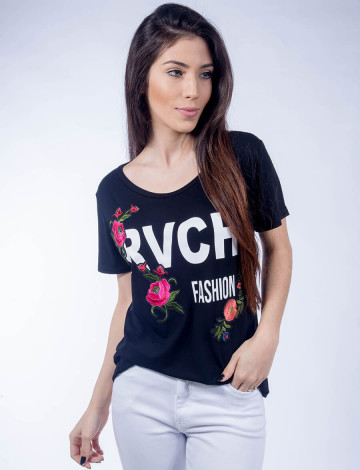 Camiseta Atacado Bordado de Flor Feminina Revanche Urbanitas Preta Frente