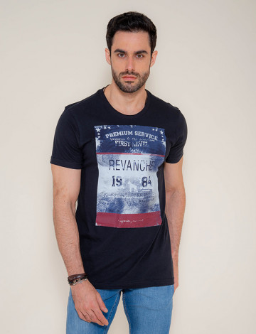 Camiseta Atacado c/ Estampa Masculina Revanche First Level Preta Frente