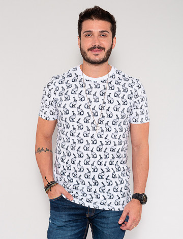 Camiseta Atacado Coelho Masculina Revanche Chevalier Branco Frente
