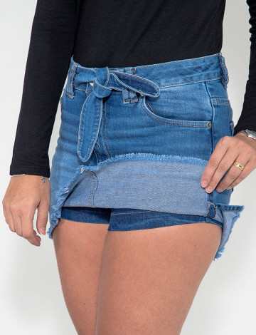 Saia Shorts Jeans Atacado Cinto Fixo Feminina Revanche Ynes Azul Detalhe