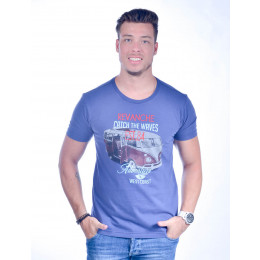 Camiseta Atacado Bordada Masculino Revanche Catch The Waves Azul Frente