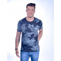 Camiseta Atacado com Estampa Floral e Bordado Cachorrinho Comores Preta Frente