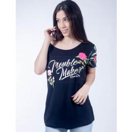 Camiseta Atacado Estampada Manga Curta Feminina Revanche Trouble Maker Preto Frente